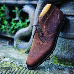 The name Chukka is said to be derived from the seven and a half minute Polo playing period called a Chukker or Chukka.  One of theorie thought argues that Chukka boots got their name due to the resemblance to boots worn by Polo players i.e. Jodhpur boots. But chances are the name was derived from the similarities between the two boots.  The Chukka boots have a few similarities with Jodhpur and Chelsea. Upon closer examination the connections between the two become more perceptible. In this…