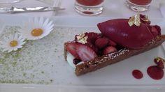世界へBon Voyage Le Bristol Paris, Early Check In, Strawberry, Fruit, Food, Essen, Strawberry Fruit, Meals, Strawberries