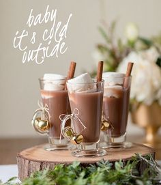 Brrrr...hot chocolate wedding bar? Yes please!! ❄️ ••• #winterwedding #winterparty #christmasparty #hotchocolate #hotchocolatebar #weddingideas #weddinginspiration #instawedding #festive #christmas #christmasiscoming #tablesetting #hotdrink #winterdrink #winterwarmer #festive #rustic #rusticwedding