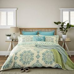 large printed bed throws