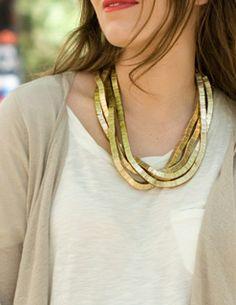 Macarena, collar de SUITEBLANCO. (Imagen via Macarena Gea)