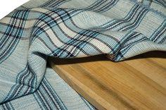 Patron tissage linge a vaisselle Novembre 2014 Weaving Projects, Textile Fabrics, Weaving Patterns, Loom Weaving, Weaving Techniques, Tea Towels, Color Inspiration, Plaid Scarf, Couture