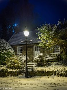 Night in the snow, Cottown Cottage, Balgownie, Scotland