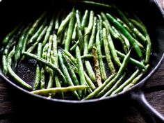 taken in quickly fading light. i can't wait for sunshine! Honey Garlic Green Beans, Sauteed Green Beans, Healthy Dishes, Healthy Cooking, Healthy Eating, Cooking Recipes, Vegetarian Recipes, Healthy Recipes, Diabetic Recipes