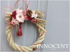 しめ縄リース おしゃれな正月飾り プリザーブド 可憐なオールドローズ風のバラやタッセルを使用 イノサン アップ販売
