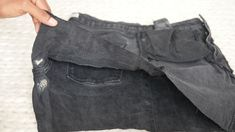 Comment recycler son jean troué en jupe ! (astuce zéro déchet à tester absolument)) Pants, Diy, Fashion, Recycle Old Clothes, Sewing For Beginners, Tutorial Sewing, Holey Jeans, Trouser Pants, Moda