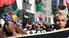 São Paulo - Integrantes de movimentos sociais e de defesa dos direitos da comunidade negra reuniram-se na capital paulista para um dia inteiro de atos na 13ª  Marcha da Consciência Negra (Rovena Rosa/Agência Brasil)