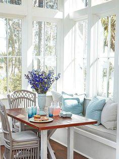"homedecoratingx:  ""Corner breakfast nook  """