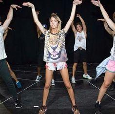 Violetta LIVE Backstage Violetta Live, Celebrity Singers, Backstage, Fandoms, Queen, Memes, Music, Life, Singers