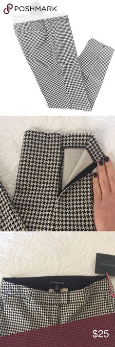 Houndstooth ankle pants NWT sz 4 ankle pants / chinos.  Slim fitting.  Ankle zipper details Alabama fan? Roll tide! Cynthia Rowley Pants Ankle & Cropped