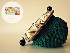 monedero de crochet Crochet Purse Patterns, Crochet Pouch, Crochet Purses, Crochet Bags, Love Crochet, Knit Crochet, Purses And Bags, Coin Purses, Knitted Bags