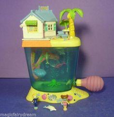 Polly-pocket-mini-Aquarium-Dauphin-Island-100-avec-2-frere-Dauphin-1996