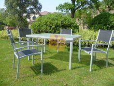 Conjunto de mesa y 4 sillas de jardín ahora que se acerca el buen tiempo.
