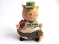 Handmade Army Soldier Cat Pincushion, Fat Cat Pincushion, cute felt kitty cat collectable, Gift for cat lover, Cat decoration by FatCatCrafts
