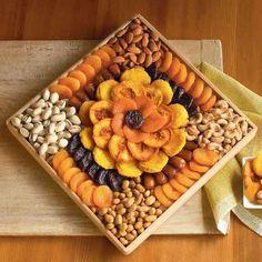 Wedding Gift Baskets, Wine Gift Baskets, Basket Gift, Wedding Gift Boxes, Wedding Ideas, Fruit Decorations, Food Decoration, Fruit Gifts, Food Gifts