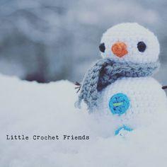 Do you want to build a snowman? Of course we do! Build A Snowman, Crochet Dolls, Creativity, Instagram, Snoopy, Winter, Cute, Christmas, Handmade