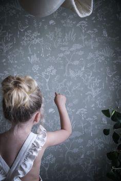 anna kubel sandberg Interior Wallpaper, Green Wallpaper, Room Wallpaper, Sandberg Wallpaper, Baby Mine, Scandinavian Living, Nursery Inspiration, Kidsroom, Beautiful