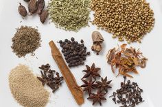 CKP garam masala is used in various Maharashtrian curry based dishes. Caraway Seeds, Coriander Seeds, Fennel Seeds, Spice Blends, Spice Mixes, Garam Masala Powder Recipe, Maharashtrian Recipes, Sichuan Pepper, Drying Herbs