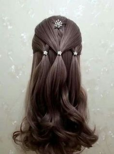 Except id put the top two layers underneath the side splits so they weave togeth… - Kinderfrisuren Work Hairstyles, Holiday Hairstyles, Trendy Hairstyles, Weave Hairstyles, Wedding Hairstyles, Party Hairstyles, Engagement Hairstyles, Heatless Hairstyles, Long Haircuts