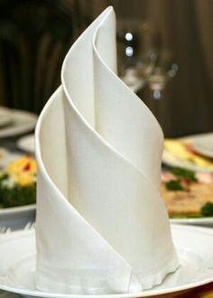New Party Dinner Table Napkin Folding 48 Ideas Elegant Dinner Party, Dinner Party Table, Dinner Napkins, Elegant Table, Table Etiquette, Deco Table Noel, Christmas Table Settings, Napkin Folding, Fine Dining