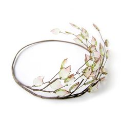 Gorgeous leaf head crown with faceted leaf beads line in the rustic brown wire base. Made of medium and soft wire which is easy to adjust size and