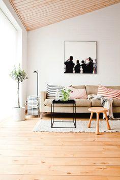 Wooden floor (via 79 Ideas)