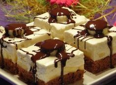 Ingredients for the filling: 500 ml of milk ½ cup of milk) 6 tbsp of sugar 4 tbsp of starch 1 vanilla pudding oz) 100 gr of coconut oz) 3 pieces banana 150 gr of oz ) 150 gr of powder sugar oz) 200 gr melted chocolate oz) 250 […] Sweet Recipes, Cake Recipes, Dessert Recipes, Czech Desserts, Kolaci I Torte, Czech Recipes, Croatian Recipes, Frozen Desserts, Melting Chocolate