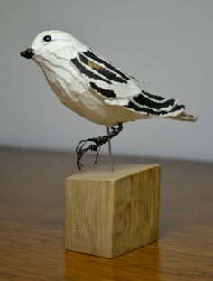 Snow Bunting made from paper by Suzanne Breakwell
