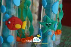 Peixes, estrelas do mar e algas em biscuit