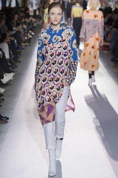 Dries Van Noten Fall 2017 Ready-to-Wear Fashion Show - Vlada Roslyakova