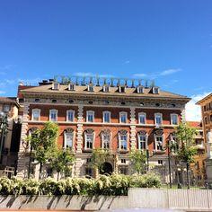 Torino a fine aprile. Piazza Solferino