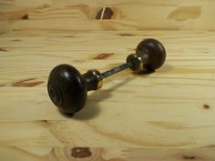 Welcome to my shop Lovely Keys that offers you :  A set of 2 wooden door knobs   <=¤=> DESCRIPTION <=¤=> Circa: 1940 Length: 6.3 Diameter: 2.3  Square width: 0.23 Square length: 3.2 Total weight: 0.24 lb   <= ¤ => CONDITION VINTAGE <= ¤ =>  Condition: Good vintage condition use  Please note that vintage item that you buy is not new and has already been used for several years so it can show some slight traces of such use. Patina will highlight its age making his interest.  Please contact me…