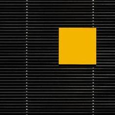 Luc Vangindertael - Yellow square