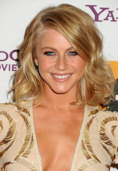 Julianne Hough Short Hairstyle - shortish with long layers?
