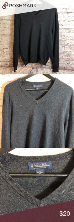 "✨MENS BROOKS BROTHERS GRAY V-NEVK PULLOVER  ✨ Brooks brothers men's v-neck pullover sweater size M   Laying Flat  ▪️Pit to Pit: 21"" ▪️Length: 26.5"" ▪️Condition : Preowned no rips, tears, marks or stains . Pet free , smoke free . Brooks Brothers Sweaters V-Neck"