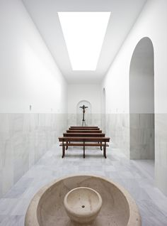 Interior Design Addict: Pablo Millan, Javier Callejas Sevilla · Chapel of the Blessed Sacrament Sacred Architecture, Church Architecture, Religious Architecture, Contemporary Architecture, Interior Architecture, Interior Design, Architecture Tattoo, Interior Doors, John Pawson