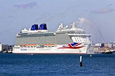 Egyre népszerűbb világszerte az óceánjáró hajón eltöltött szabadság, idén a szakemberek körülbelül 23 millió vendéget várnak, így nem csoda, hogy egyre-másra hagyják el a dokkokat az újabb és újabb hajók. Ezek közül mutatjuk be a legérdekesebbeket.    ...