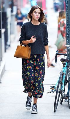 alexa chung style best outfits - Page 2 of 100 - Celebrity Style and Fashion Trends Winter Mode Outfits, Winter Fashion Outfits, Autumn Winter Fashion, Casual Outfits, Skirt Outfits, Fashion Dresses, Fresh Outfits, Office Outfits, Night Outfits