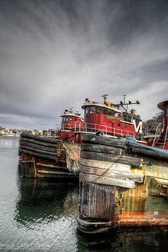 Amazing photographs of Portsmouth, New Hampshire by Phil Cohen. Must see website.