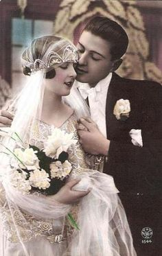 Vintage Inspired Wedding Dresses by Decade- wedding couple colorized portrait Vintage Inspired Wedding Dresses, Vintage Wedding Photos, Photo Vintage, 1920s Wedding, Art Deco Wedding, Vintage Bridal, Vintage Weddings, Wedding Night, Wedding Veil