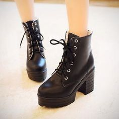 Buy 'Boliboots � Block Heel Lace-Up Platform Short Boots' with Free International Shipping at YesStyle.com. Browse and shop for thousands of Asian fashion items from China and more!