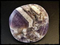 Wunderschöne Amethyst Scheibe zum Auflegen, Durchmesser ca. 43mm und eine Dicke von 8mm. Heilstein!