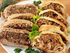 wellington jackfruittal és gombás lencsével recept Meatloaf, Quinoa, Curry, Beef, Vegan, Food, Meat, Curries, Essen