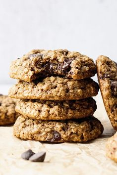 The most delicious & chewy oatmeal chocolate chip cookies! Made with oat flour, quick oats, and naturally sweetened with coconut sugar. You will love every bite of these healthy oatmeal cookies! | asimplepalate.com #cookies #oatmealcookies #oatmeal #chocolatechipcookies Quick Oat Cookies, Healthy Oatmeal Cookies, Oatmeal Chocolate Chip Cookies, Oat Flour Recipes, Cookie Recipes, Dessert Recipes, Baked Oats, Best Oatmeal, Deserts