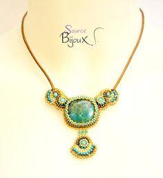 """Collier Brodé Chrysocolle Turquoise Doré """" Phoénix """" : Collier par source-aux-bijoux"""