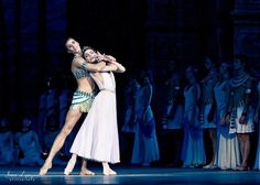 Artem Ovcharenko and Natalia Osipova in the Pharaoh's Daughter. Photo © Irina Lepnyova.