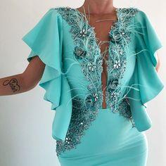 gowns for women Simple Dresses, Elegant Dresses, Beautiful Dresses, African Fashion Dresses, African Dress, Fashion Outfits, Backless Maxi Dresses, African Traditional Dresses, Gowns For Girls