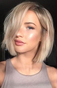 45 Best Short Haircuts for 2019 - Get Your Haircut Inspiration TODAY! Curly Hair Cuts, Curly Hair Styles, Curly Bob, Easy Hair Cuts, Latest Short Haircuts, Short Haircuts For Women, Bob Haircuts, Short Hair Cuts Girls, Short Haircut For Girls