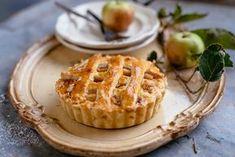 Fahéjas-almás pite Recept képpel - Mindmegette.hu - Receptek No Bake Pies, Apple Pie, Baking Recipes, Waffles, Breakfast, Food, Decoration, Cooking Recipes, Morning Coffee
