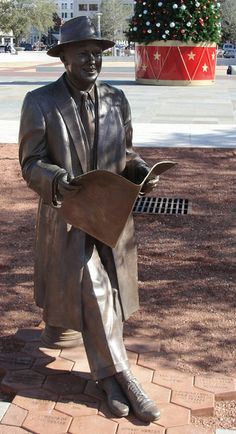 Statue of the Savannah native, Johnny Mercer, in Ellis Square at Stop # 13 on Old Town Trolley.